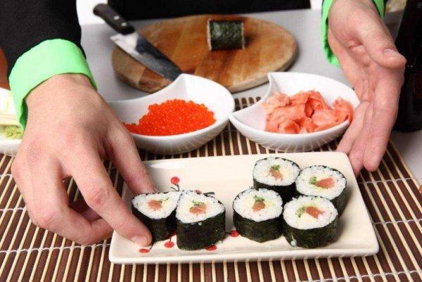 вы едите суши неправильно